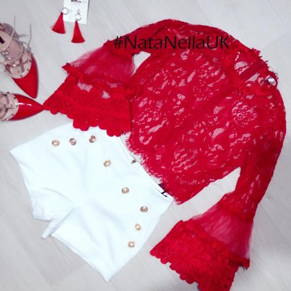 Codzienne na wakacje na impreze koronkowa bluzka i spodenki białe