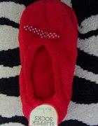 Nowe czerwone kapcie baletki