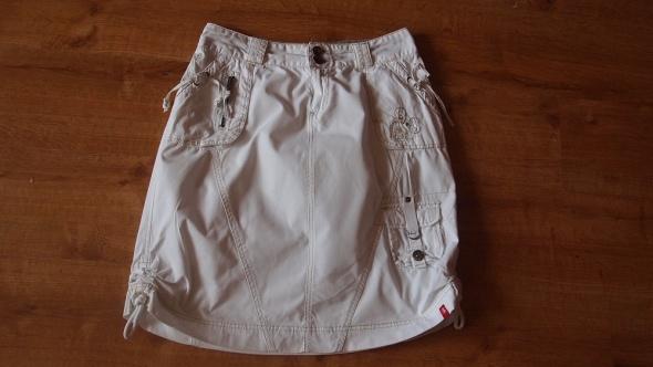 Biała spódnica bojówka...