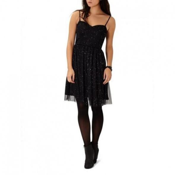 Czarna sukienka tiul