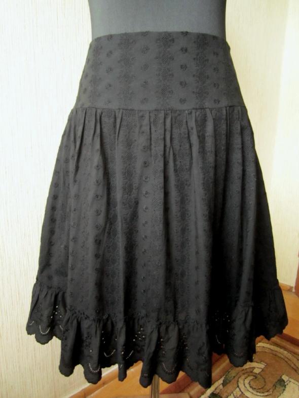 Sisley wiosenna czarna spódnica haftowana 38...