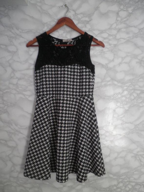 cb226d45cf Suknie i sukienki Ambitionfly biało czarna sukienka w pepitkę rozkloszowana  koronka 36 S