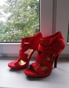 Czerwone sandałki na obcasie rozmiar 38