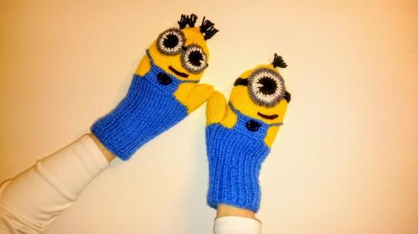 Rękawiczki minionki z polarem nowe...