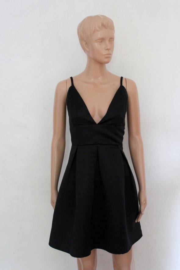 7ec1090b15 Krótka czarna sukienka rozkloszowana r około M w Suknie i sukienki ...