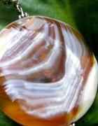 Agat beżowo kremowy piękny kamień