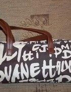 Nowa torebka w napisy...