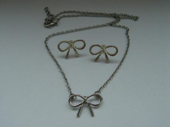 Zestaw biżuterii naszyjnik i kolczyki kokardki
