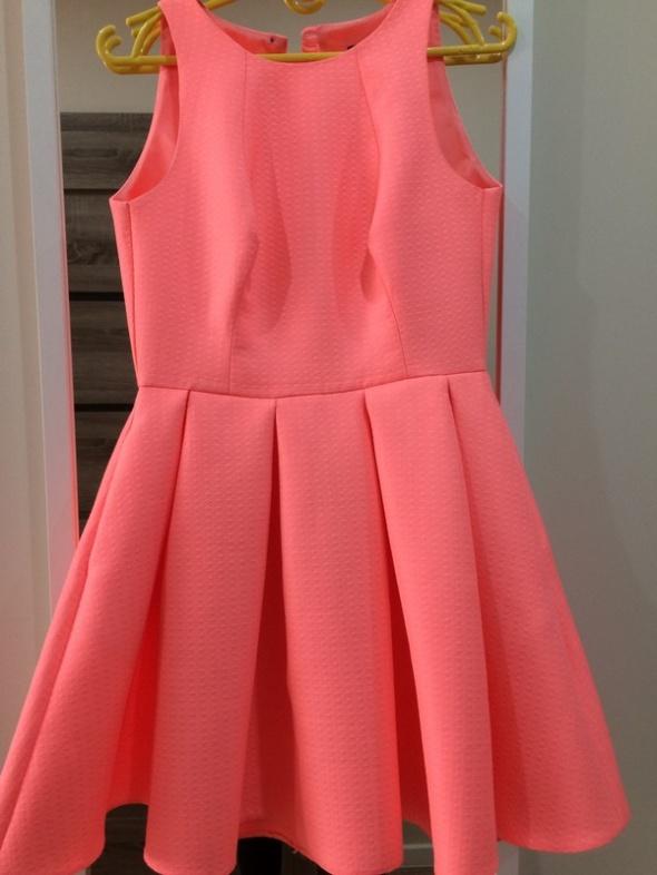 726b4c7b933819 Neonowa sukienka rozkloszowana S Emo sztywna w Suknie i sukienki ...