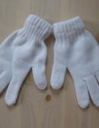 Białe rękawiczki