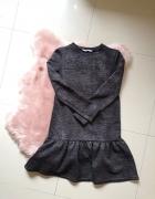 Czarna sukienka z błyszczącą nicią SugarFree