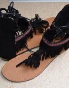 Nowe japonki sandały czarne zamsz skóra frędzle ozdoby cholewka...