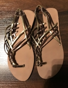 Sandały złote