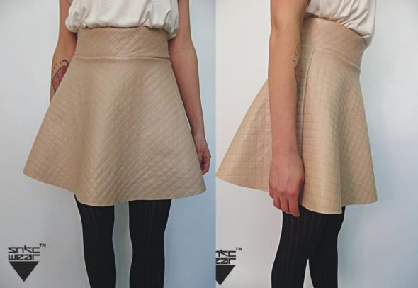 bezowa skórkowa rąbu rozkloszowana spódniczka sexi