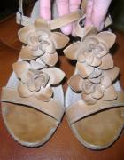 Sandały sandałki na koturnie Lasocki 38...