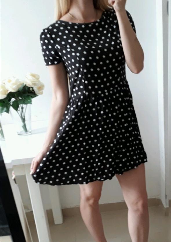 Suknie i sukienki Atmosphere sukienka czarna w białe grochy rozkloszowana M