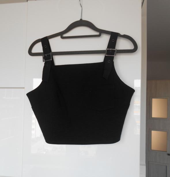Topshop czarny crop top szelki minimalizm kieszonk