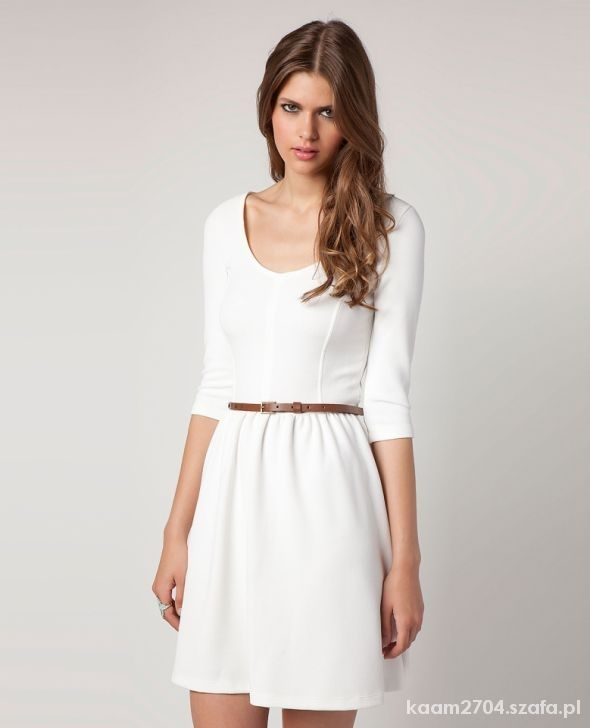 sukienka biała Bershka