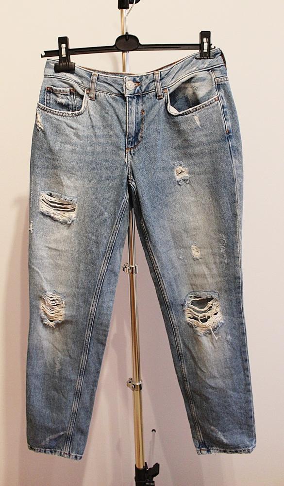 Spodnie jeans Boyfriend przetarcia...