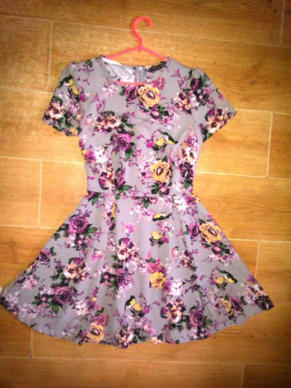 Suknie i sukienki Primark rozkloszowana sukienka skater 36 S kwiaty