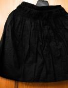 Czarna spódniczka z gumką...