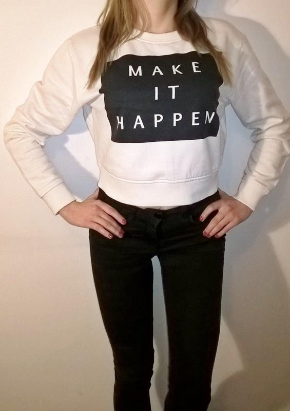 Biała bluza crop top oversize z nadrukiem New Look
