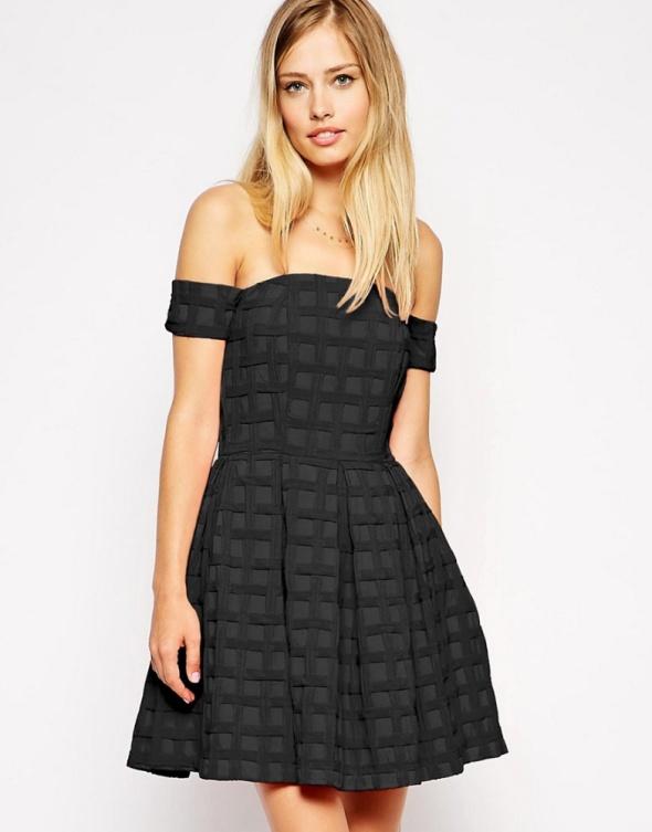 Czarna rozkloszowana sukienka ASOS r 40