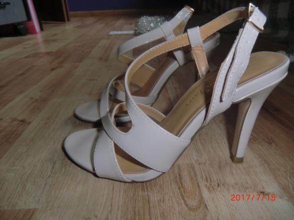 Nowe sandały jenny fairy 35 beż nude...