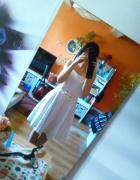 River Island biała sukienka pikowana rozkloszowana...