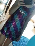 Śliczna sukienka z cekinami...