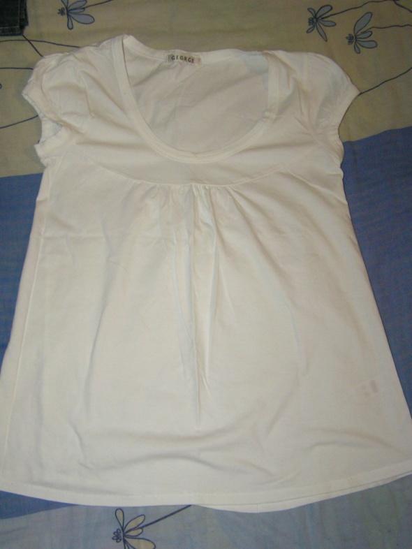 Biała letnia bluzeczka...