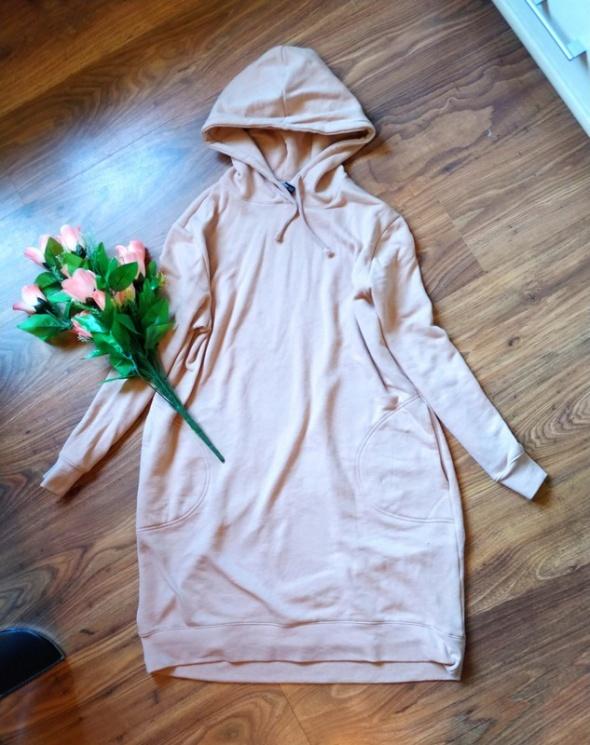 pudrowy róż bluza sukienka długa