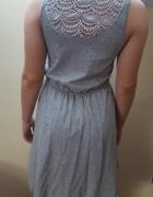 Szara zwiewna sukienka...