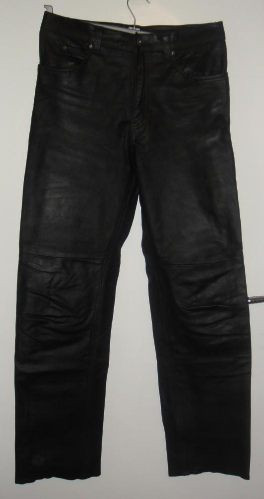 Spodnie skórzane męskie o kroju dżinsów