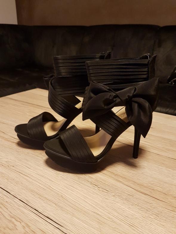 Nowe sandały na platformie 36