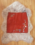 Skórzana mini spódnica z haftem nowa...