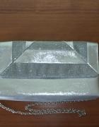 NOWA Menbur kopertówka brokatowa srebrna na łańcuszku...