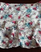 Spódniczka w kwiaty Camaieu...