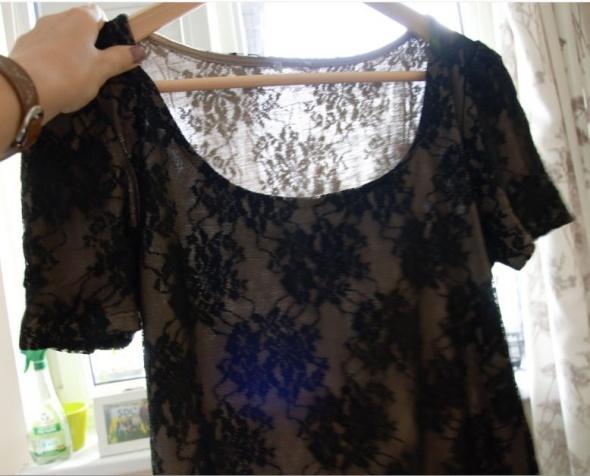 Bluzka czarna z ażurowym wzorem
