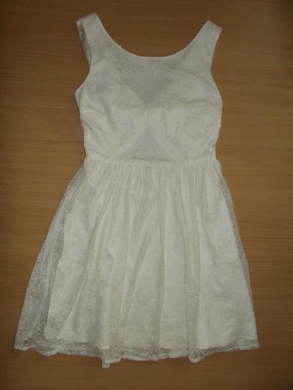 koronkowa kremowa sukienka New Look rozmiar UK 8 EU 36...