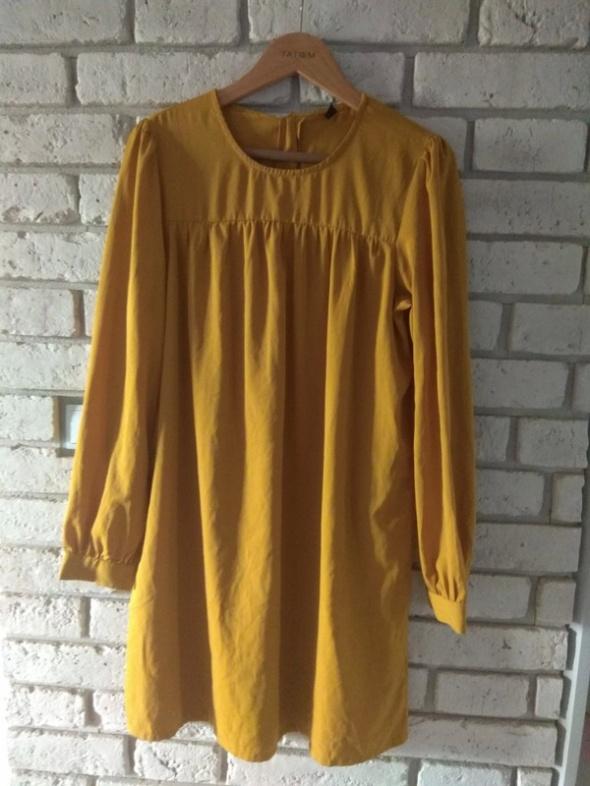 Suknie i sukienki Musztardowa Vero moda L