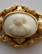 złota z kameą w porcelanie XIX wiek...