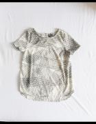 Minimalistyczna czarno biała bluzka