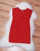 czerwona elegancka dopasowana sukienka