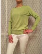 Seledynowy sweterek