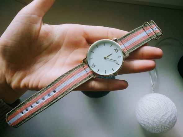 Zegarek damski New Yorker na kolorowym pasku