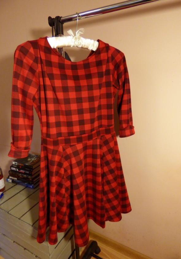 Czerwona czarna sukienka kratka długi rękaw M 38