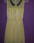 zwiewna żółta sukienka z ozdobnym kołnierzem