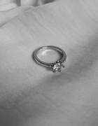 Posrebrzany pierścionek cyrkonia Nowy 17 mm