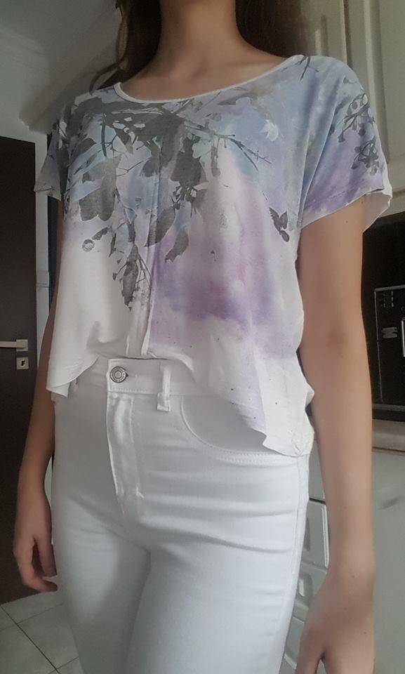 Luźny crop top tshirt ze wzorkiem i cekinami L XL oversize